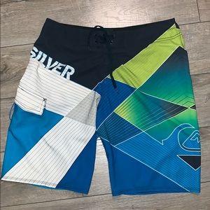 Quicksilver Board Shorts Size 32